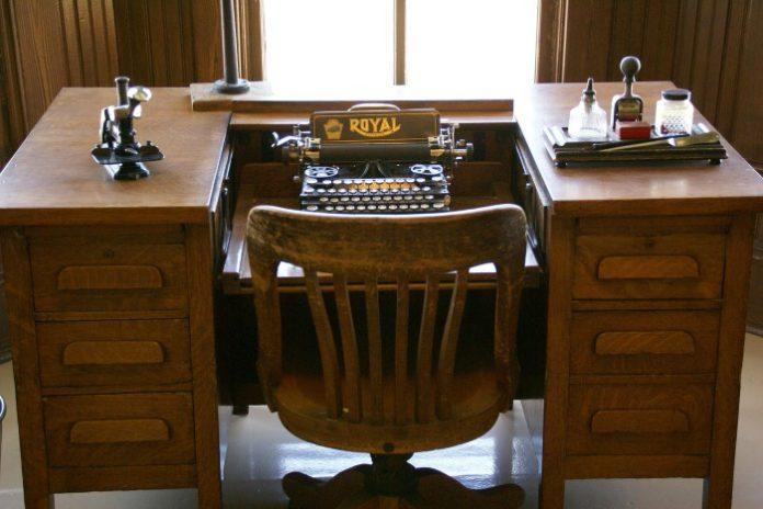 la scrivania antica